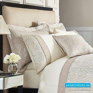 Catherine Lansfield Ornate Jacquard Cream Pillow Sham