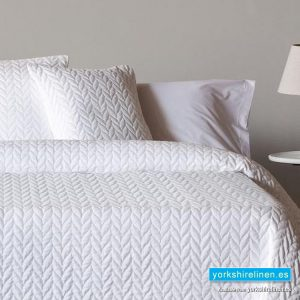 Espiga White Bedspread - Bed Linen from Yorkshire Linen Warehouse Spain
