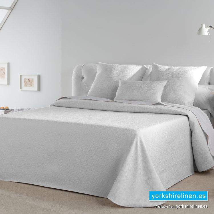 Gala White Bedspread