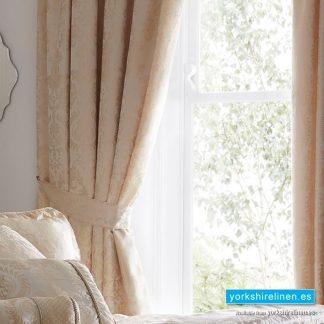Sandringham Ivory Pencil Pleat Lined Curtains