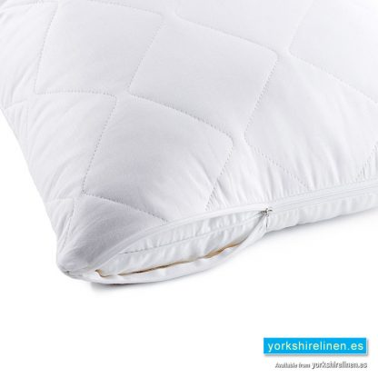 Quilted Zipped Pillow Protector