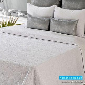 Lorena Lightweight Summer Bedspread, White
