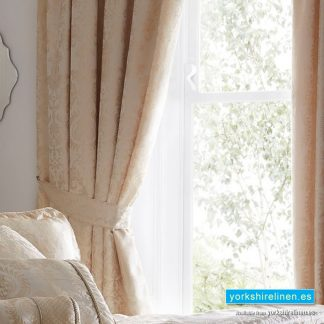 Sandringham Ivory Pencil Pleat Lined Curtains
