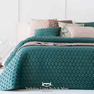 Naroa Bedspread Emerald - Yorkshire Linen Beds & More Bed Shops Mijas Costa Marbella P01