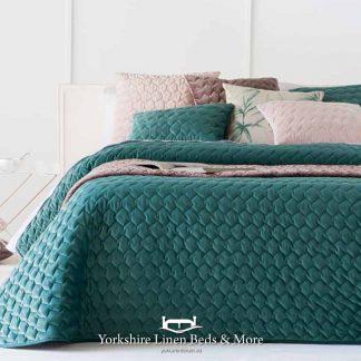 Naroa Bedspread Emerald - Yorkshire Linen Beds & More Bed Shops Mijas Costa Marbella P01