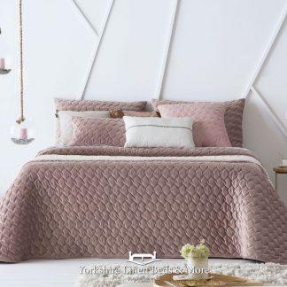 Naroa Bedspread Mauve - Yorkshire Linen Beds & More Bed Shops Mijas Costa Marbella P01