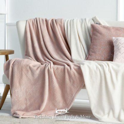 Truman Throw Natural - Yorkshire Linen Beds & More Bed Shops Mijas Costa Marbella P01
