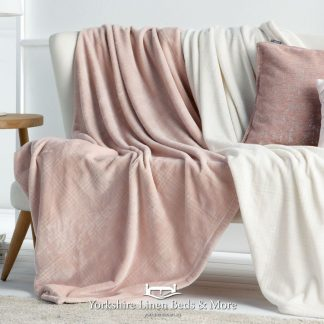 Truman Throw Pink - Yorkshire Linen Beds & More Bed Shops Mijas Costa Marbella P01