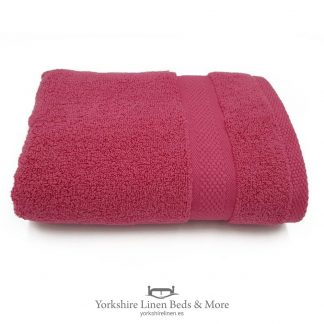 550gsm Wonder Dry 100pc Cotton Towels Raspberry - Yorkshire Linen Beds & More P01